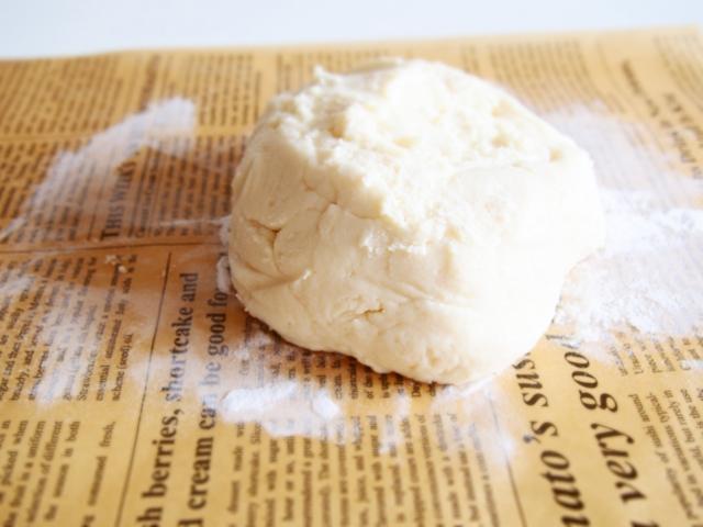 小麦粉をこねた生地