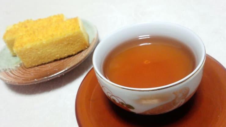ほうじ茶とカステラ