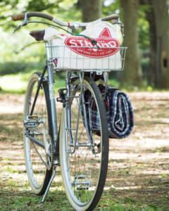 自転車とトートバッグ